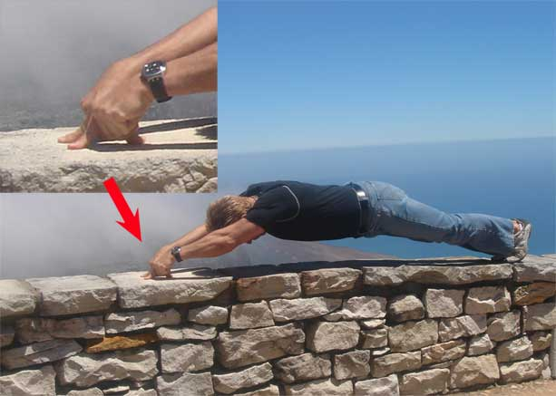 Garin Bader Super Strength 2-Finger Pushups